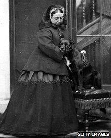 la Reina Victoria con Sharp